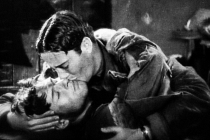 beijo-wings-gay-cinema-pn-img