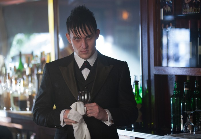 """GOTHAM: Oswald Cobblepot (Robin Lord Taylor) observes Maroni's business dealings in the """"Viper"""" episode of GOTHAM airing Monday, Oct. 20 (8:00-9:00 PM ET/PT) on FOX. ©2014 Fox Broadcasting Co. Cr: Jessica Miglio/FOX"""